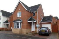 3 bed house in Hyde Court, Dussindale...