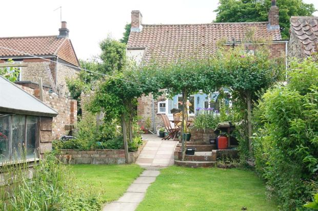 Garden angle 5