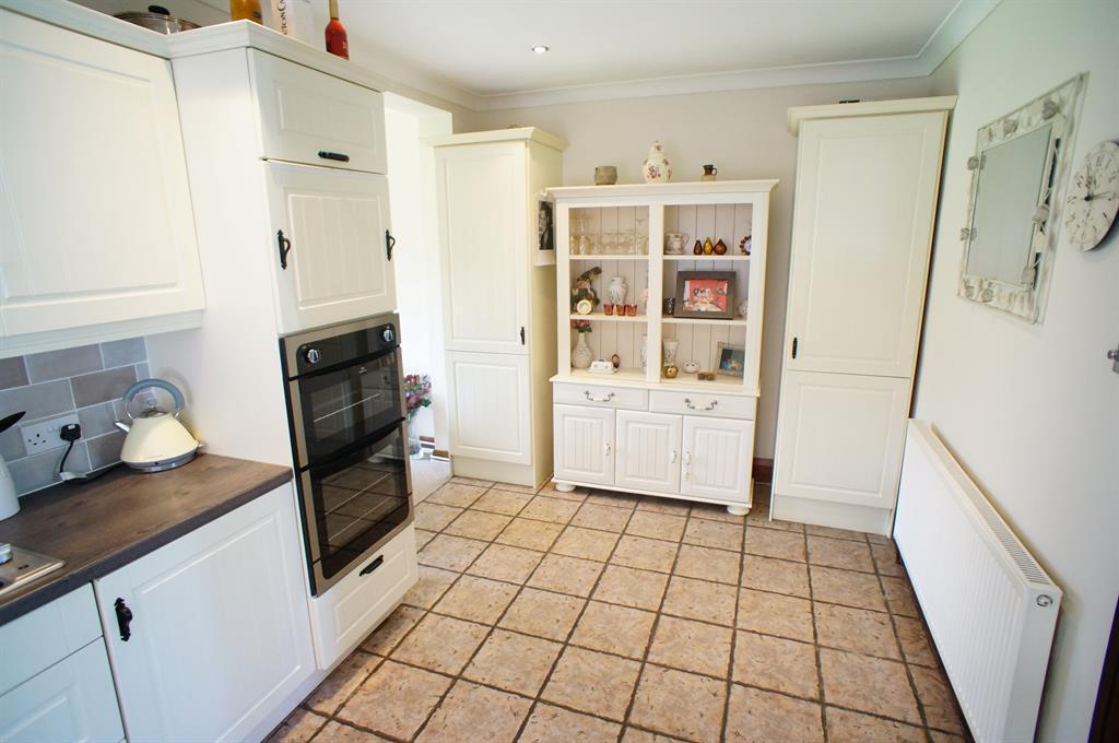 Kitchen / Diner Angle 2