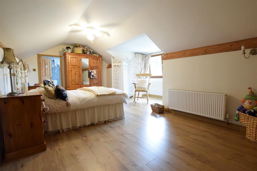 Loft space/ possibe bedroom