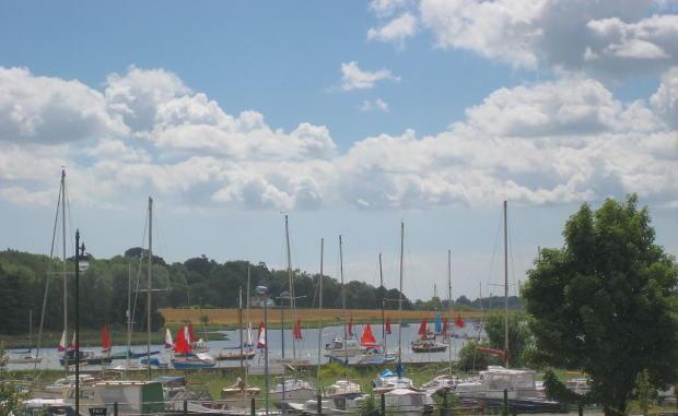 Sailing on the Ri...
