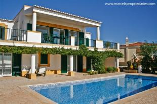 Villa for sale in Porto Dona Maria, Luz...