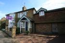 Apartment to rent in Chertsey Road, Shepperton