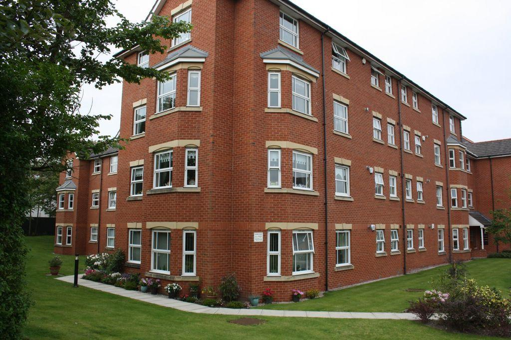 2 Bedroom Apartment For Sale In Darwin Court Cambridge Road Southport Pr9