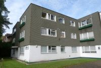2 bed Flat to rent in Amberdene Court, Stanmore