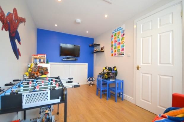 Family Room / Pla...