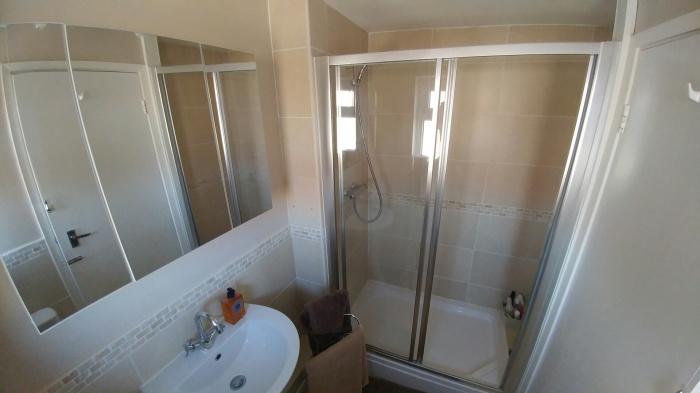 3010_9021bathroom.jpg