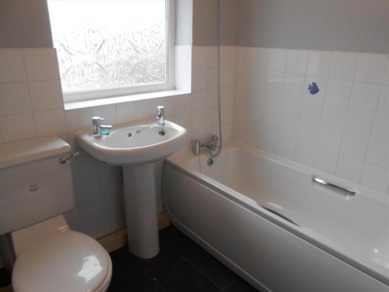 Bathroom Hol