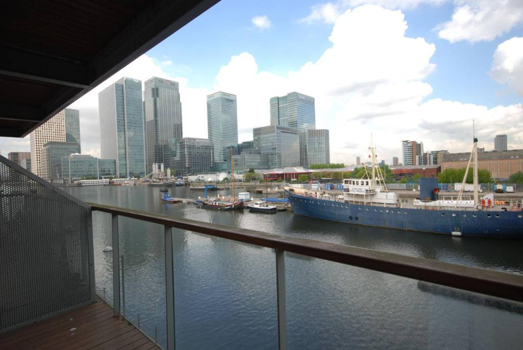 2 bedroom flat to rent in antilles bay apartments canary 2 bedroom flat in canary wharf to buy