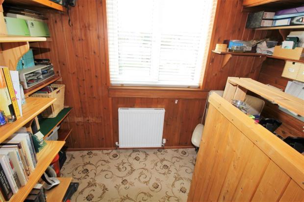 Bedroom /study