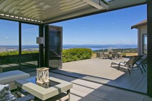 5 bedroom property in Acacia Bay, Taupo...