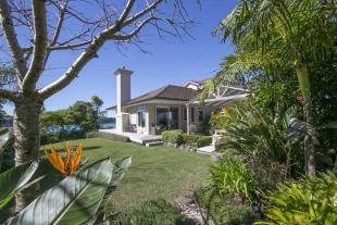 4 bed property in Gulf Harbour...