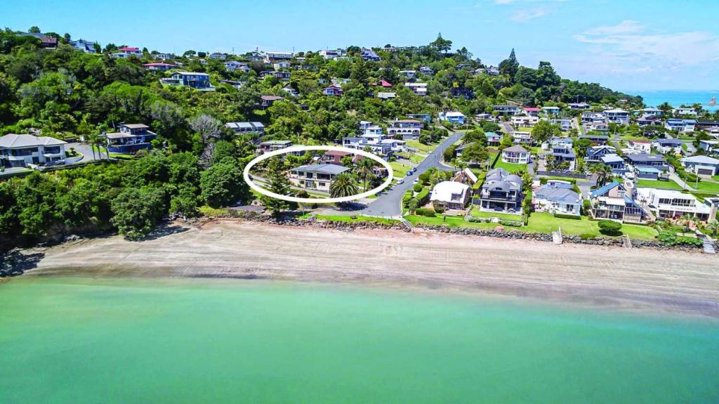 5 bedroom home for sale in Tindalls Beach...