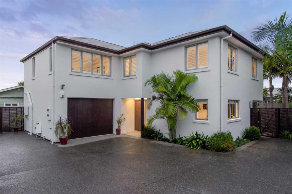4 bed house for sale in Takapuna, North Shore...