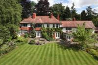 7 bed Detached home in North Road, Hale...