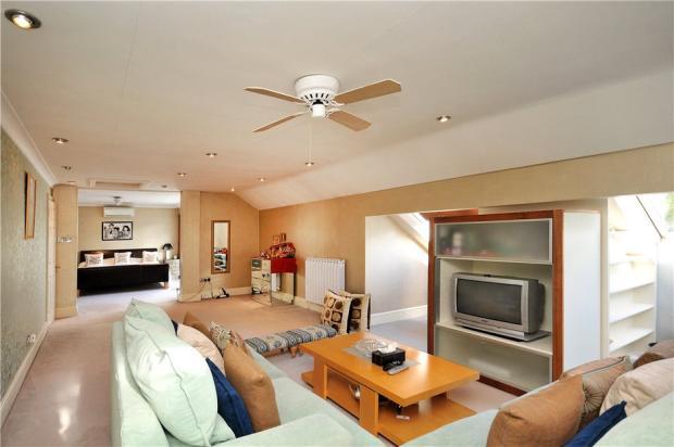 Bedroom Suite/Lounge