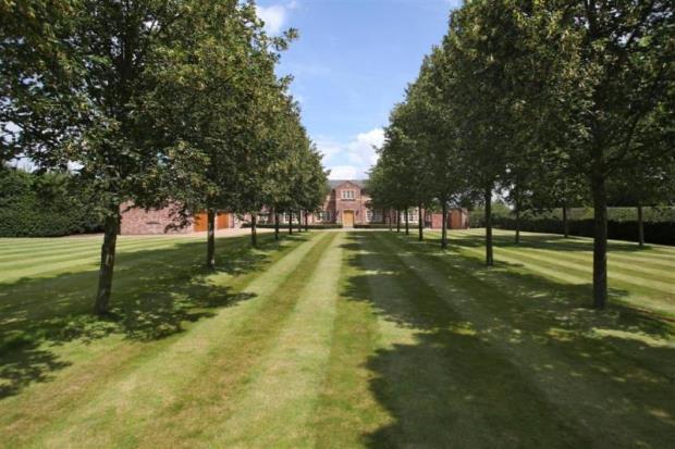 Ollerton Manor