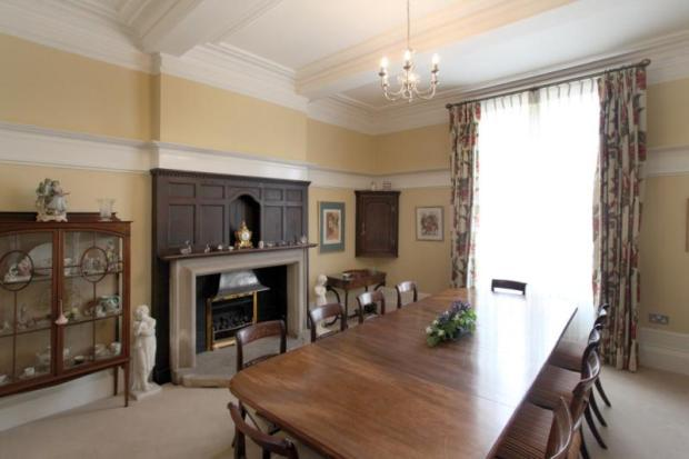 4 bedroom semi detached house for sale in jordangate for Best private dining rooms cheshire
