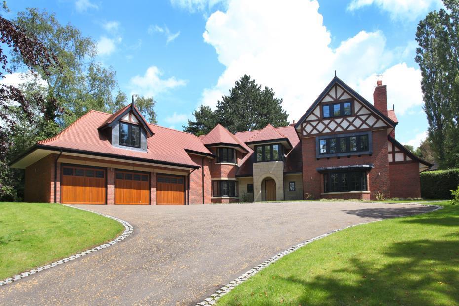 6 bedroom detached house for sale in heybridge lane