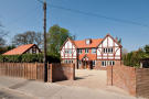 5 bedroom Detached property in London Road, Guildford...