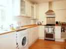 Flat to rent in Helix Road, Brixton