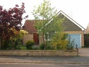Detached Bungalow in Farmanby Close...