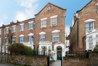 Flat in Highbury Hill, N5 1AT