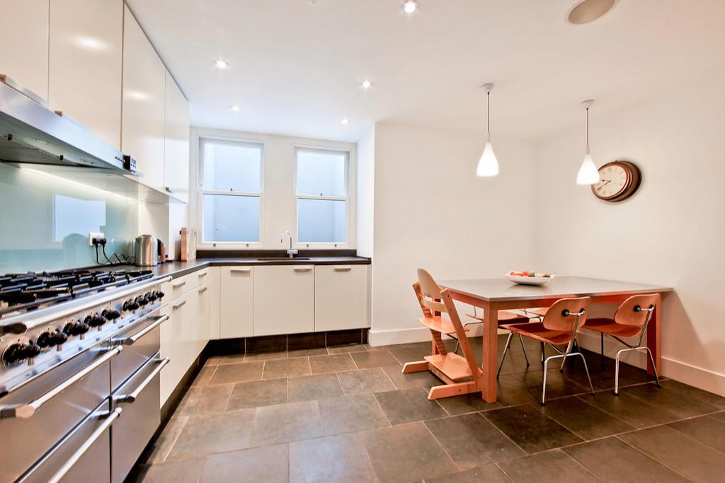 4 bedroom end of terrace house for sale in elfort road n5 for Terrace kitchen diner