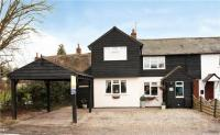 4 bedroom semi detached house in Woodgates End, Broxted...