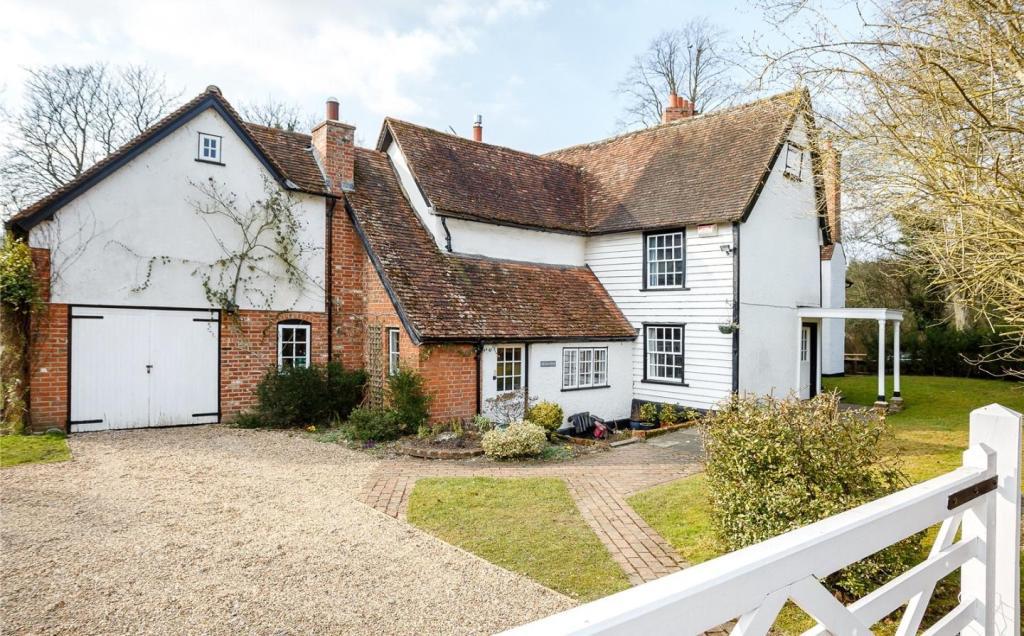 5 Bedroom Detached House For Sale In Furneux Pelham Buntingford Hertfordshire Sg9 Sg9