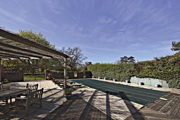 7 bedroom detached house for sale in fanhams hall road ware hertfordshire sg12 7pu sg12 for Swimming pools in bishops stortford