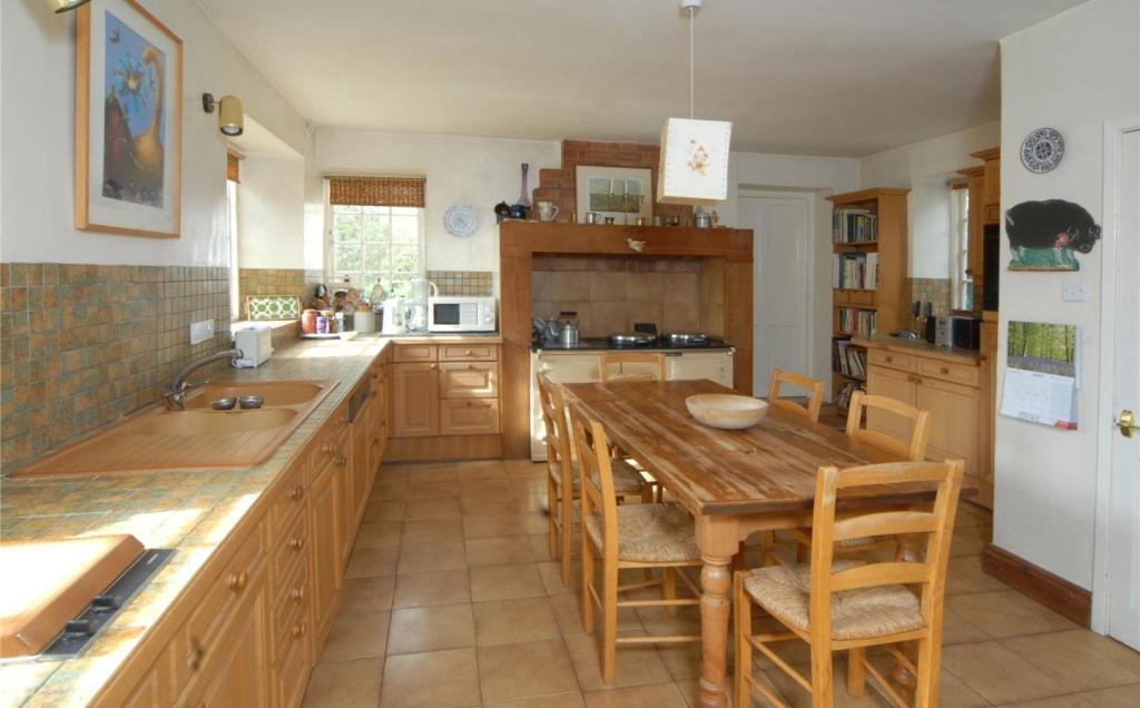 DH Kitchen