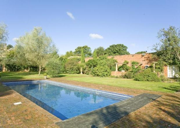 10 Bedroom Detached House For Sale In Remenham Place