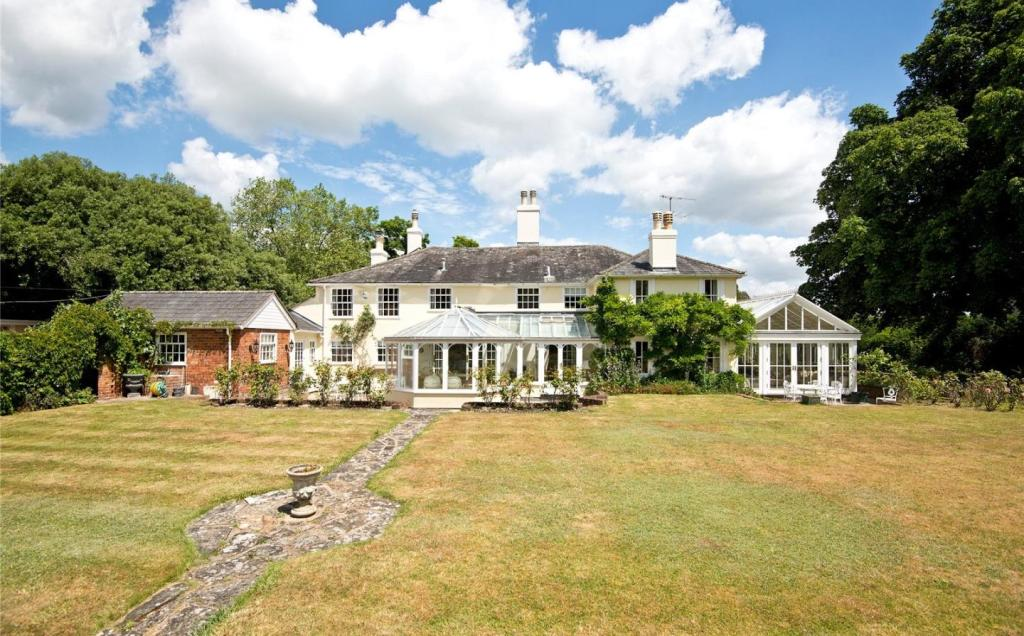 5 Bedroom Detached House For Sale In Fairmile Henley On Thames Oxfordshire Rg9 Rg9