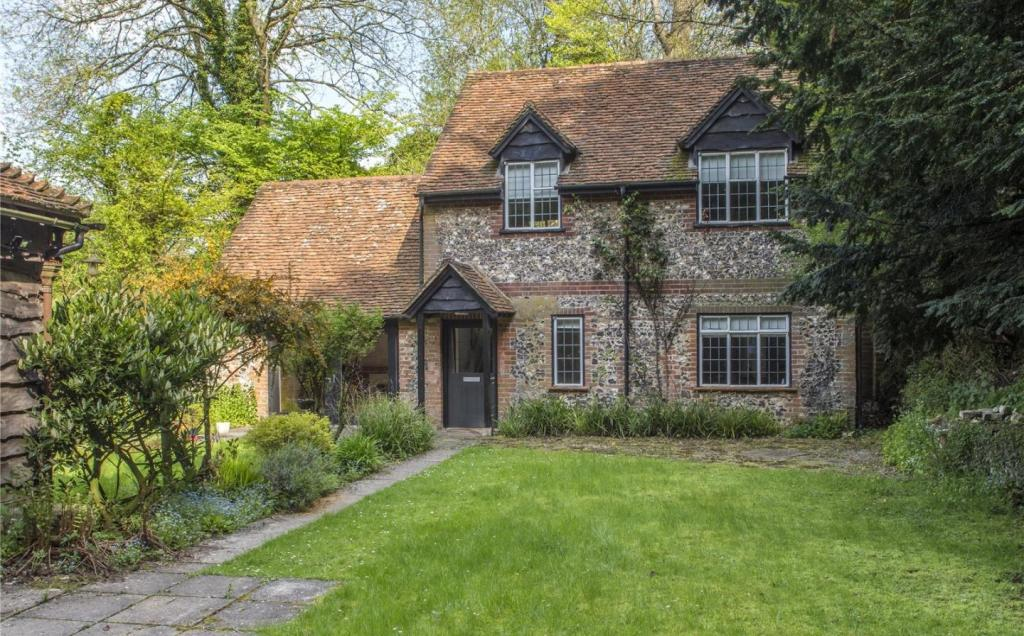 2 Stable Cottage
