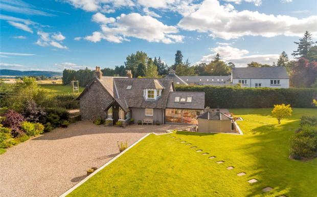 3 bedroom detached house for sale in glencarse home farmhouse glencarse perth ph2 ph2