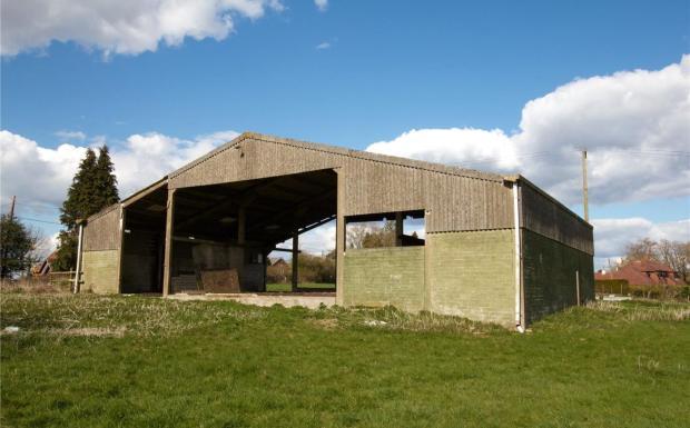 Barn North Eastward