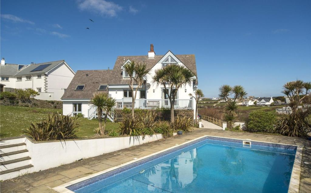 5 Bedroom Detached House For Sale In Treyarnon Bay Padstow Cornwall Pl28 Pl28