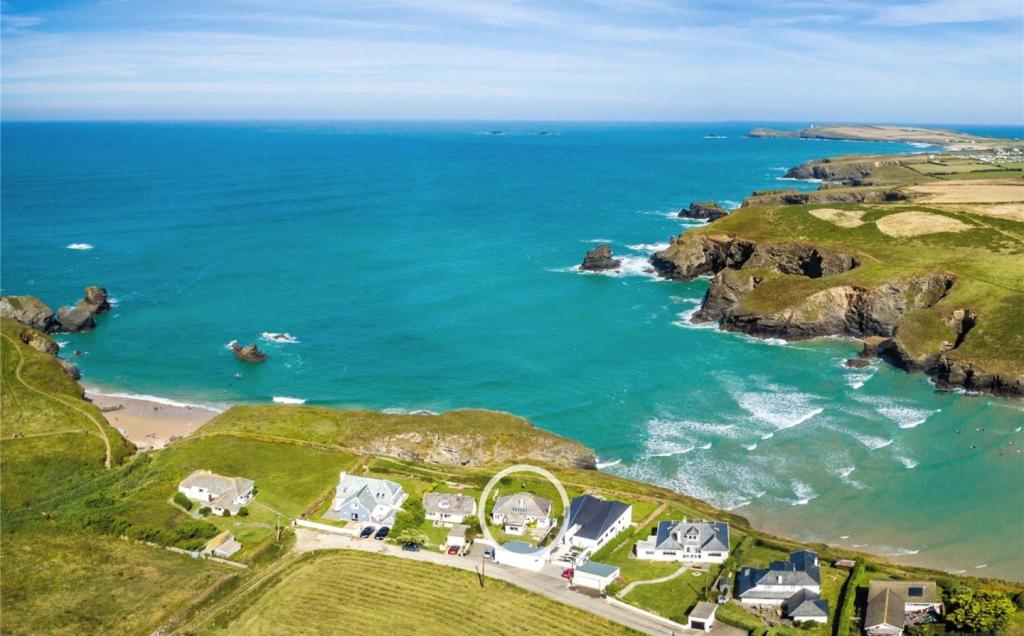 3 Bedroom Detached House For Sale In Porthcothan Bay