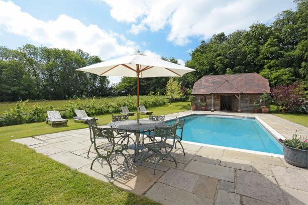 5 Bedroom Detached House For Sale In Hoghole Lane Lamberhurst Tunbridge Wells Kent Tn3 8bn Tn3