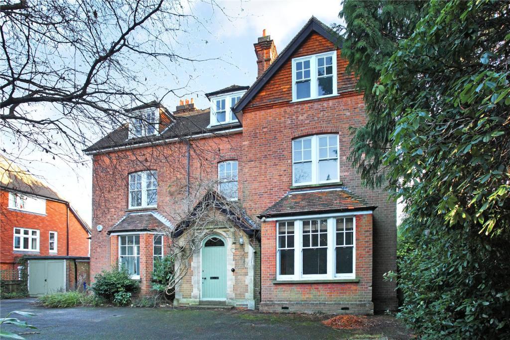 8 bedroom detached house for sale in frant road tunbridge. Black Bedroom Furniture Sets. Home Design Ideas