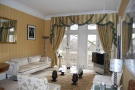 2 bedroom Apartment in 3 Whitehall Court