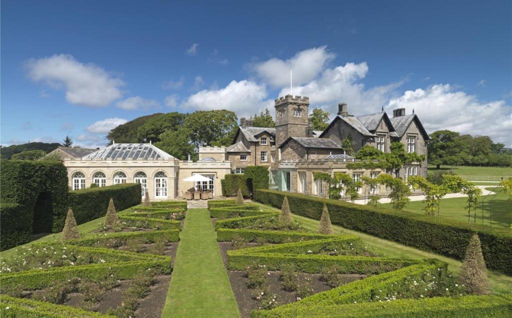 Topiary Walk