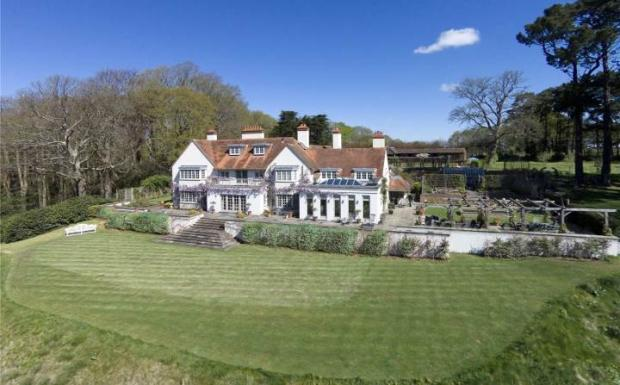 6 Bedroom Detached House For Sale In Bransgore