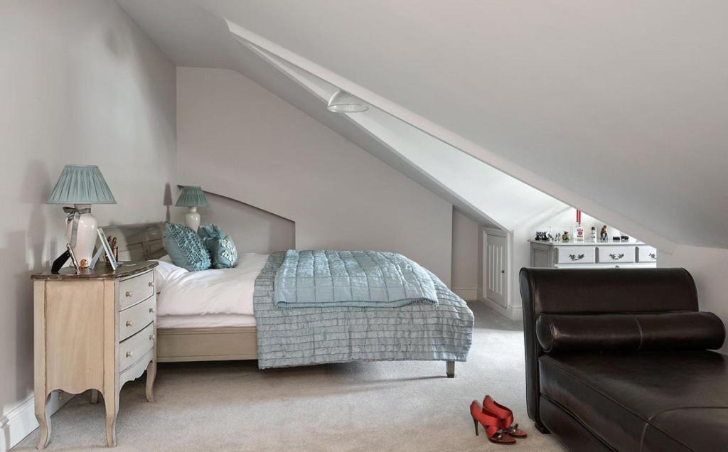 Bedroom 2nd Floor
