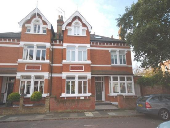 6 bedroom semi-detached house to rent in Lebanon Park, Twickenham, Middlesex, TW1