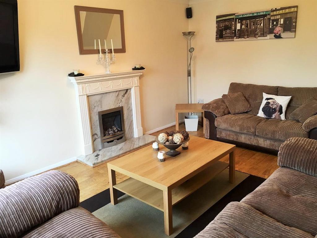 Living room 2 update