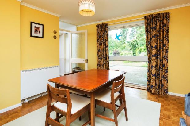 DINING ROOM/GUEST BE