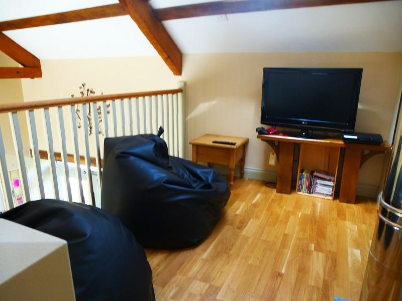 4 Bedroom Barn Conversion For Sale In Oakview Barn Rhosmaen Llandeilo Carmarthenshire Sa19