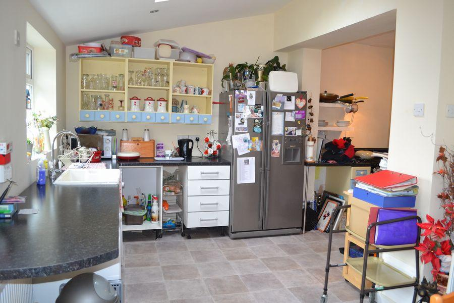 EXTENDED OPEN PLAN KITCHEN/DINING ROOM